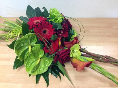 Modern red and green tied sheaf