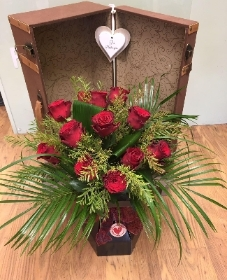 Luxury Dozen Red Roses