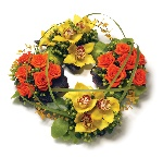 Mixed wreath grouped design